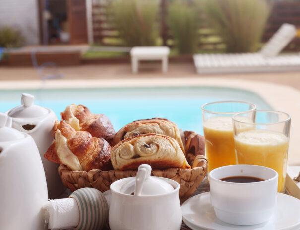 desayuno piscina 3
